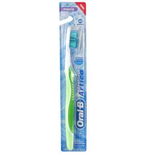 Escova Dental Oral-B Advantage Artica 40